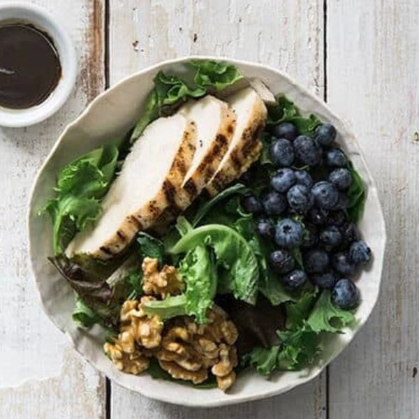 Superfoods Salad with Chicken and Balsamic Vinaigrette