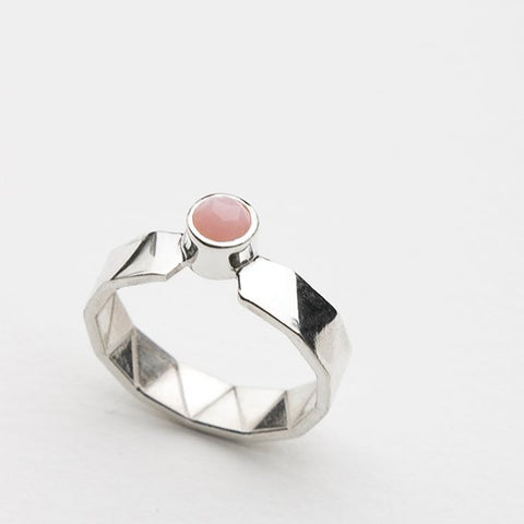 CIRCUS ring in silver with pink opal