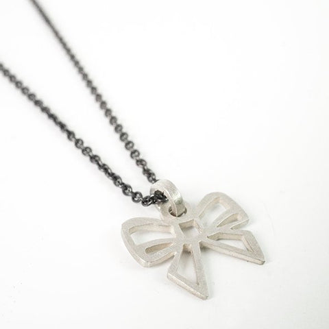 Small Bow pendant in silver