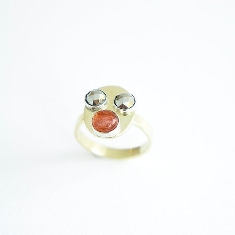 INVASION Face ring in 14 krt gold