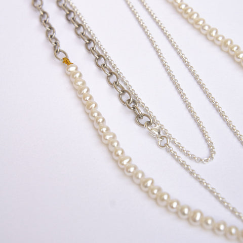 Restriction Necklace Pearls