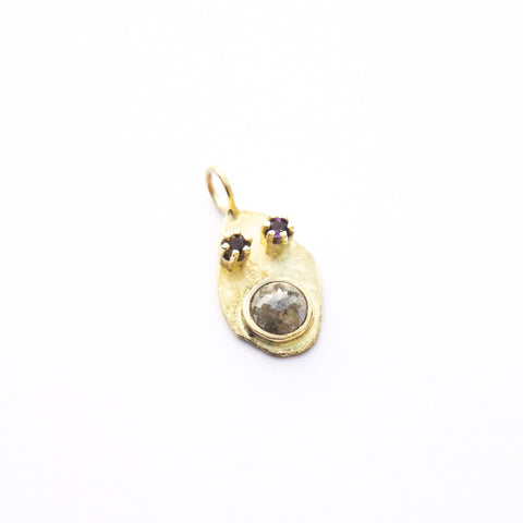 Small Pendant Friend In Gold