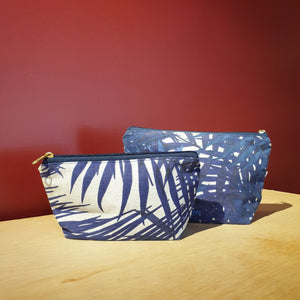 Nazanin Cosmetic Pouch (M) - Blue Tropical