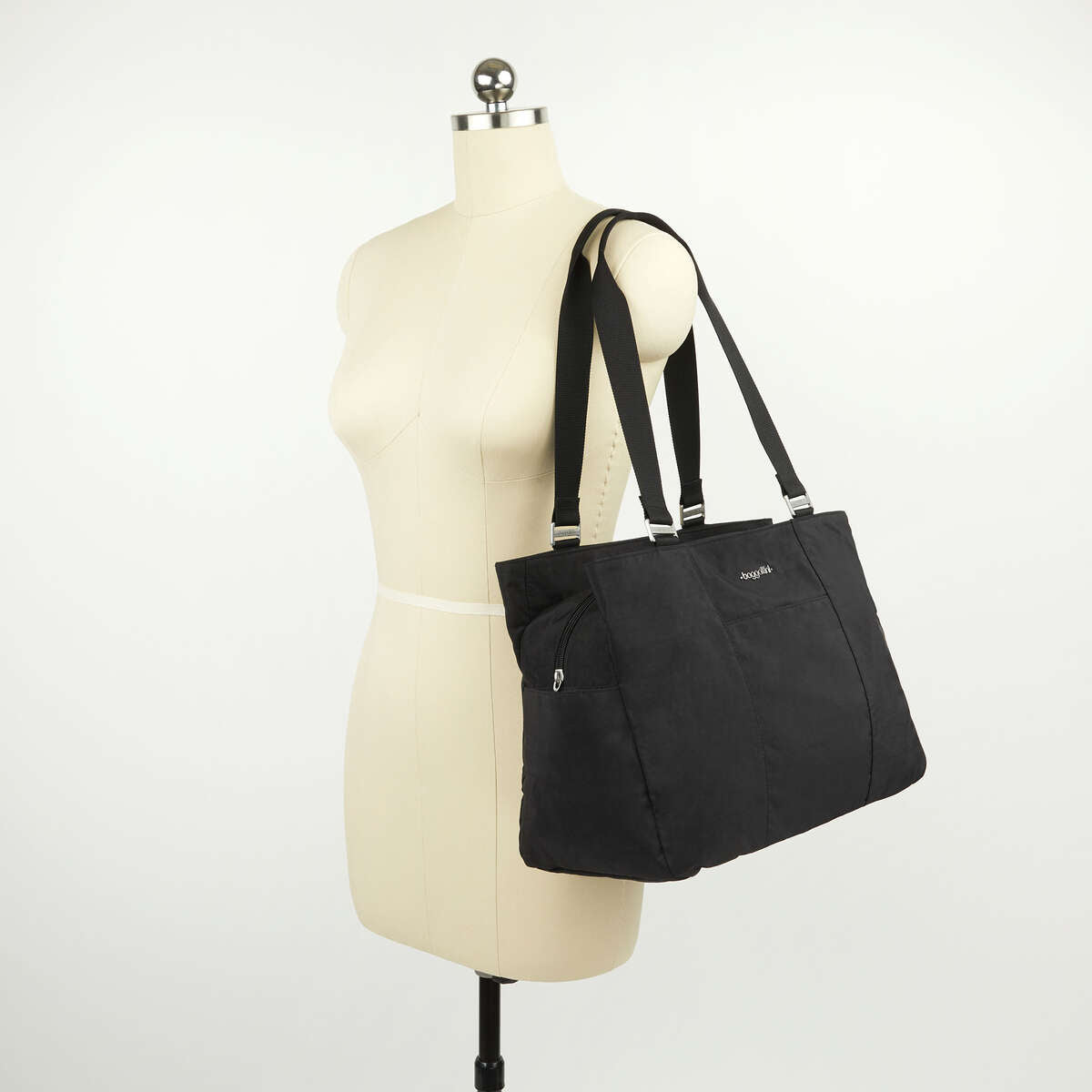 Baggallini East West Tote - Black
