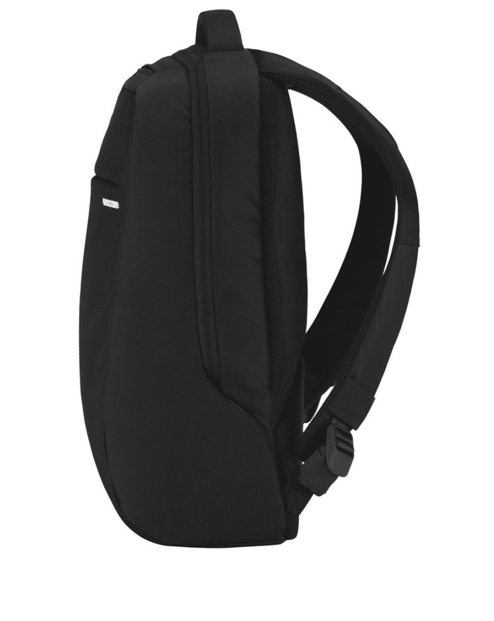 Incase Icon Slim Pack 14.5L in Black