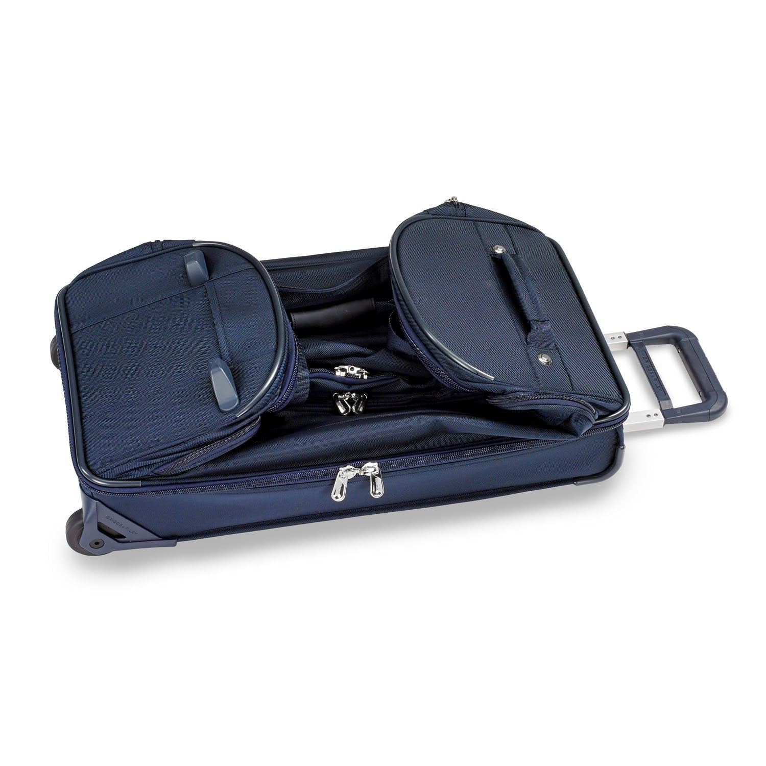 Briggs & Riley Baseline Medium Upright Duffle