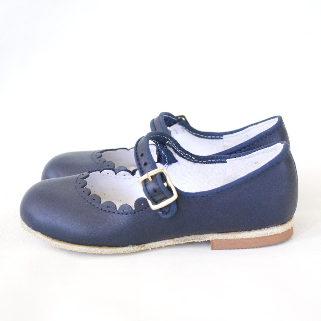 Girl's Shoe - Navy Blue Scallop Mary Jane