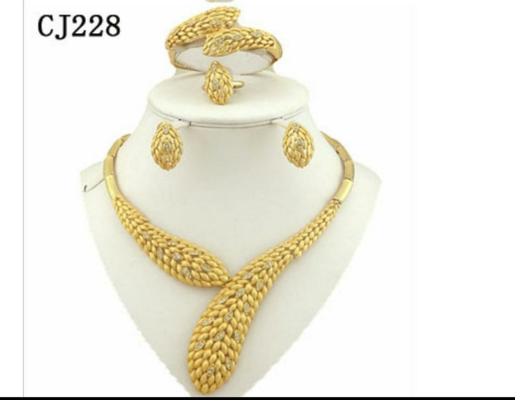 Gold plated beautiful jewelry set