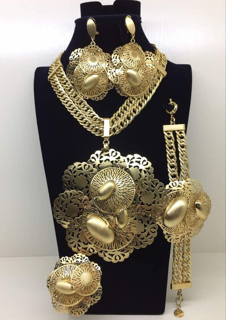 Lovely Gold Jewelry Set - Ladybee Swiss Lace