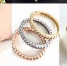 Women fashion gold Bangles set