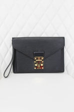Load image into Gallery viewer, Louis Vuitton Sellier Black Epi Dragonne Clutch