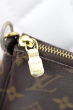 Load image into Gallery viewer, Louis Vuitton Monogram Pochette Crossbody