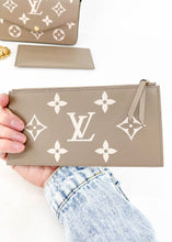 Load image into Gallery viewer, Louis Vuitton Empriente Tourterelle Felicie *Includes Inserts*