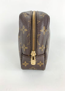 Louis Vuitton Monogram Toiletry 23