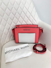 Load image into Gallery viewer, Michael Kors Color Block Crossbody