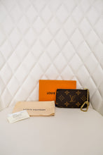 Load image into Gallery viewer, Louis Vuitton Monogram Key Pouch