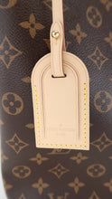 Load image into Gallery viewer, Louis Vuitton Monogram Gracefull MM Pivone