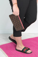 Load image into Gallery viewer, Neverfull GM Monogram Pouch