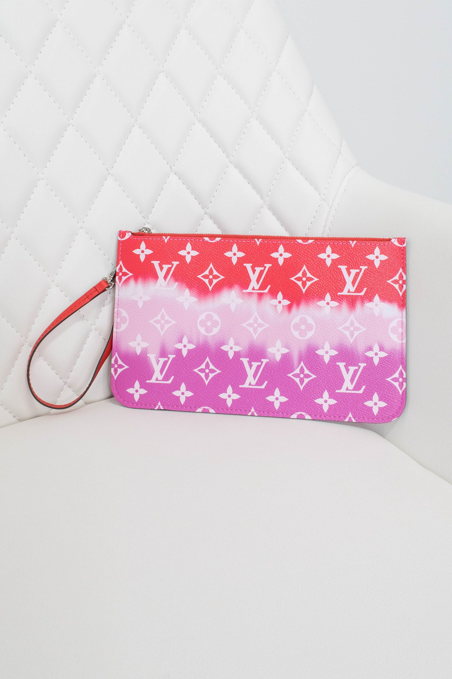 Louis Vuitton Red Escale Neverfull Pochette