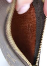 Load image into Gallery viewer, Louis Vuitton Monogram Key Pouch Cles