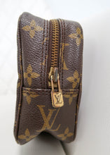 Load image into Gallery viewer, Louis Vuitton Monogram Toiletry 18