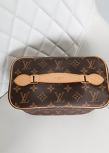 Load image into Gallery viewer, Louis Vuitton Monogram Vanity Case