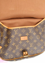 Load image into Gallery viewer, Louis Vuitton Monogram Saumur 25