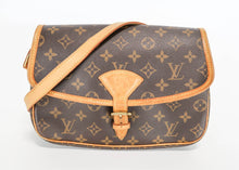 Load image into Gallery viewer, Louis Vuitton Monogram Sologne