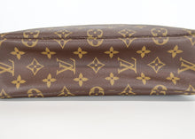 Load image into Gallery viewer, Louis Vuitton Monogram Toiletry 28