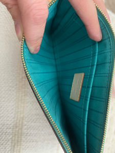 Louis Vuitton Monogram Neverfull Pochette w/ Turquoise