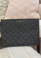 Load image into Gallery viewer, Louis Vuitton Empriente Daily Pouch Black