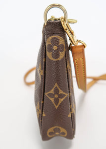 Louis Vuitton Monogram Pochette w/ Crossbody Strap