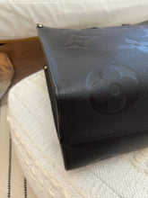 Load image into Gallery viewer, Louis Vuitton Empriente Black OnTheGo GM
