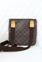 Load image into Gallery viewer, Bosphere Pochette Monogram Crossbody