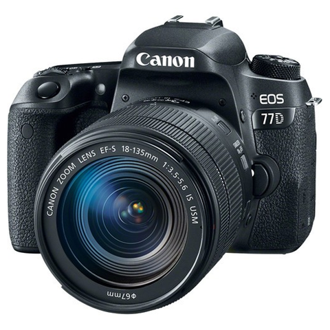 CANON EOS 77D CON LENTE 18-135mm IS USM