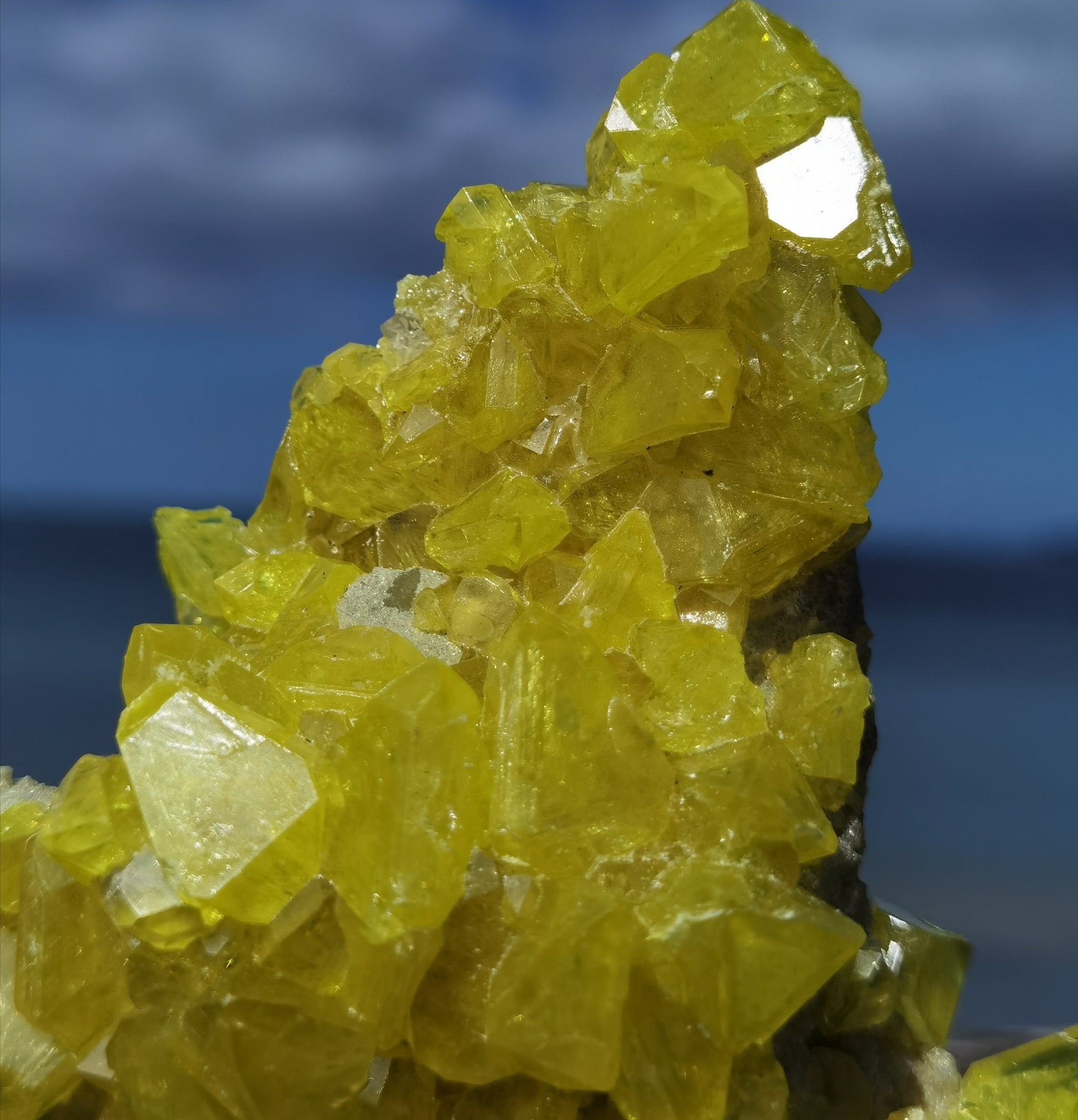 Sulphur Quartz On Aragonite With Fluorite