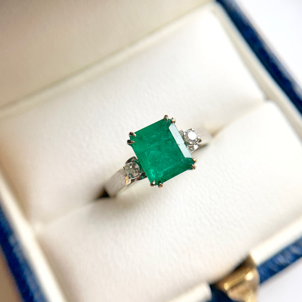 1.06 Carat Emerald & Diamond Ring