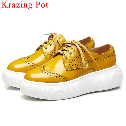 Daily wear natural leather lace up sneakers breathable flat platform British style large size Brogue shoes vulcanized shoes L16 - shoescraze