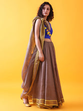 Load image into Gallery viewer, Brown Linen Saree with Zari and Contrast Border