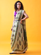 Load image into Gallery viewer, Green Linen Saree with Mughal Buttis and Silver Zari Border
