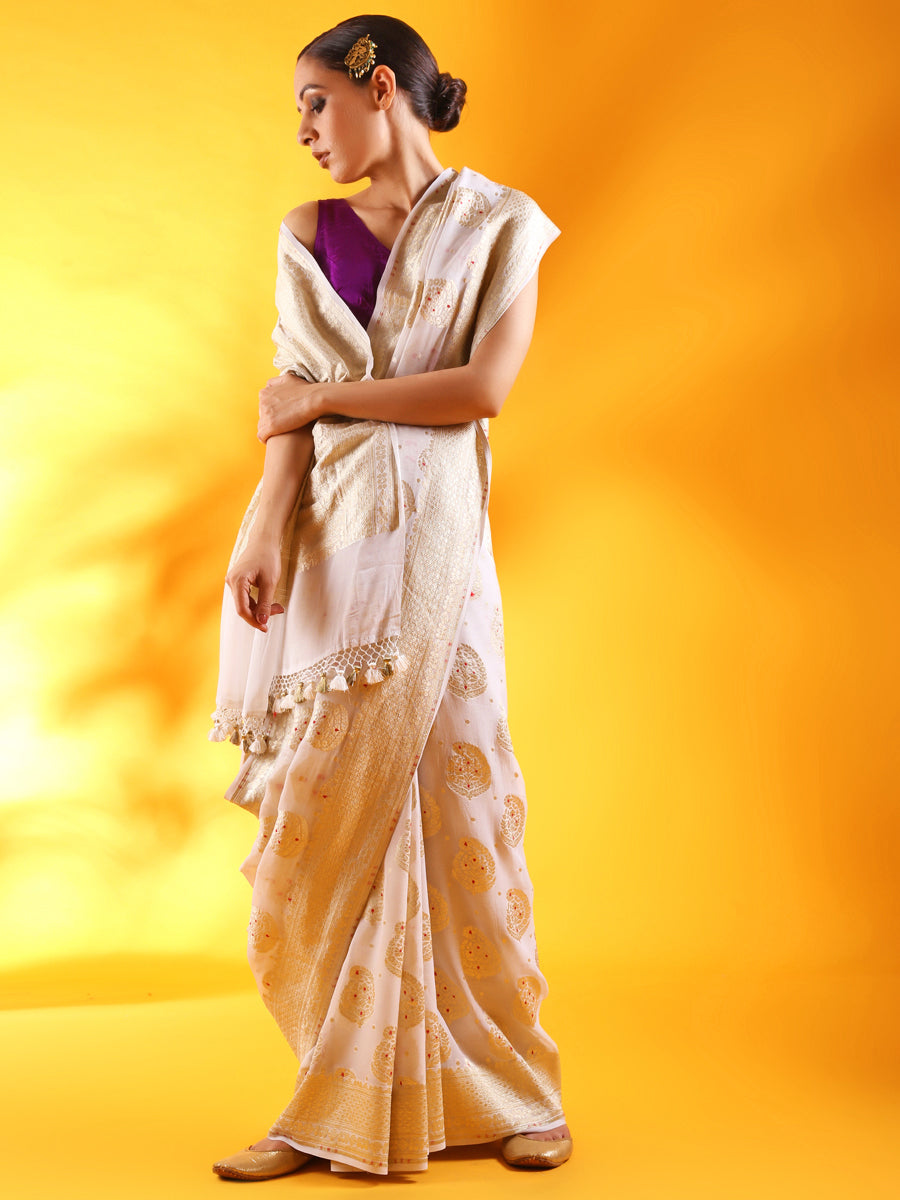 White Khaddi Georgette Saree with Kadhua Buttis