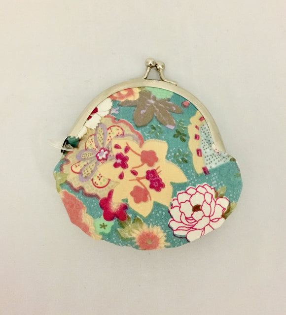 Small Retro Jasmin Lotus Design Japanese Kimono Fabric Coin Purse