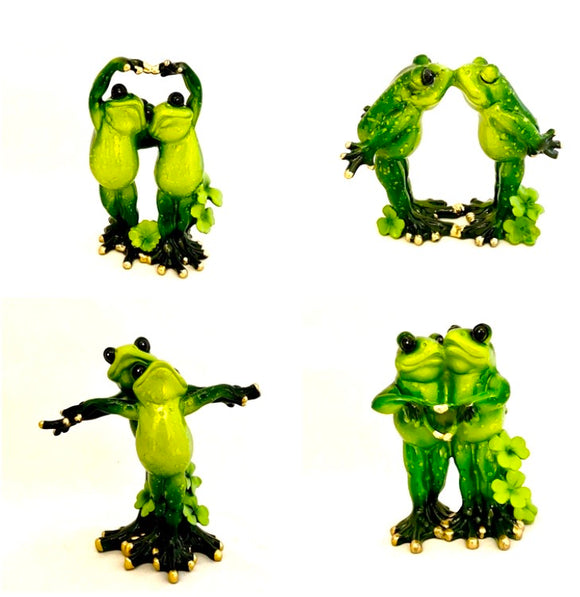 Green Decorative Frogs Dancing/Kissing/Titanic/Loving Shelf Ornaments Figurine