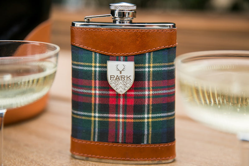 Golden Jet Flask: Lifestyle by PARK Accessories