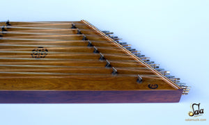 right side of the santoor