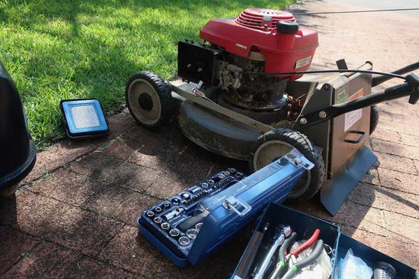 Keeping you gear in top shape - Sunshine Coast Mowers