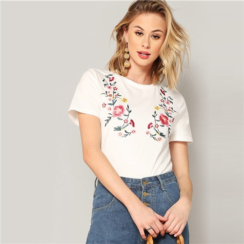 CBC White Floral Embroidered Short Sleeve Tee 2019 Summer Women Minimalist Round Neck Highstreet Short Sleeve Tshirt Tops