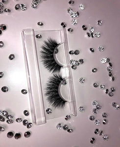 'Drama Queen' lashes