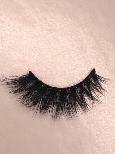 The 'addicted' lashes.