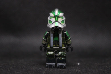 AV Phase 2 Commander Gree (Camo) (Ready to Go!)
